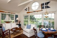 Lovely rustic coastal living room design ideas 19