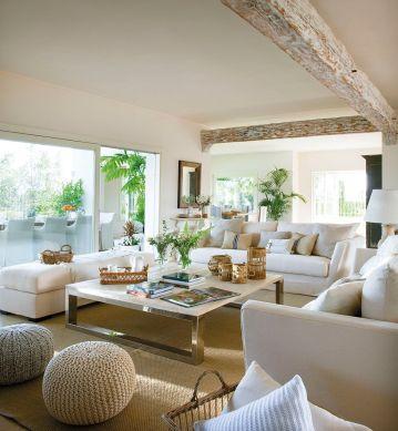 Lovely rustic coastal living room design ideas 28