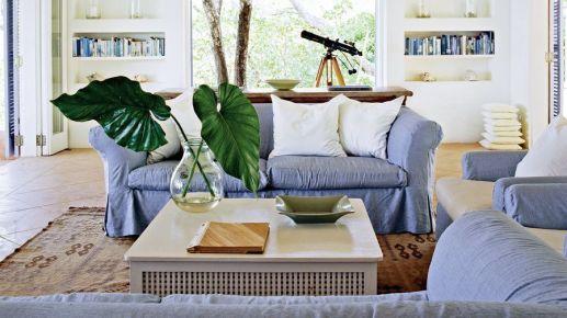 Lovely rustic coastal living room design ideas 39