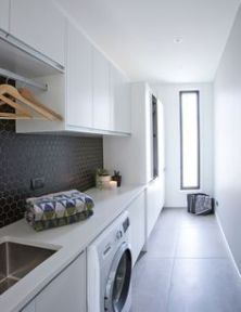 Outstanding black and white laundry room ideas 44