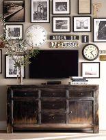 Stunning living room wall gallery design ideas 03
