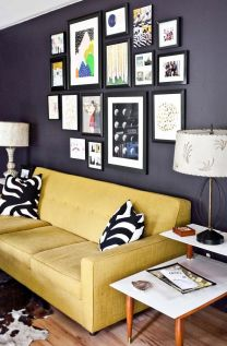 Stunning living room wall gallery design ideas 12