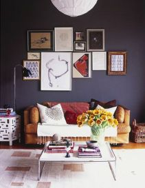 Stunning living room wall gallery design ideas 20