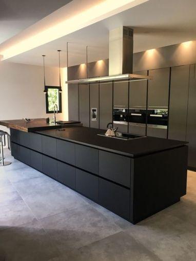 Amazing black kitchen design ideas 10
