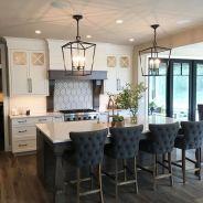 Amazing black kitchen design ideas 13