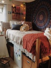 Beautiful dorm room organization ideas 12
