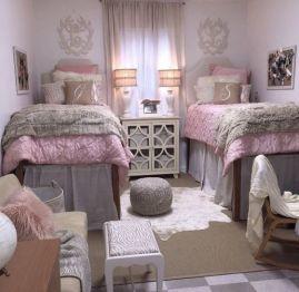Beautiful dorm room organization ideas 39