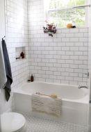 Fabulous small farmhouse bathroom design ideas 02