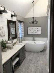Fabulous small farmhouse bathroom design ideas 07