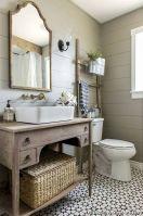 Fabulous small farmhouse bathroom design ideas 09