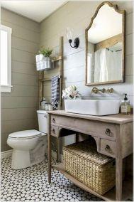 Fabulous small farmhouse bathroom design ideas 21