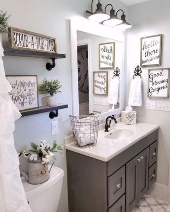 Fabulous small farmhouse bathroom design ideas 26