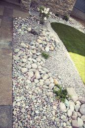 Great front yard rock garden ideas 04