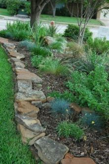 Great front yard rock garden ideas 14