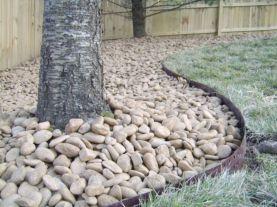 Great front yard rock garden ideas 17