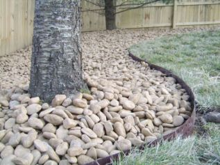 Great front yard rock garden ideas 17