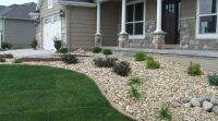 Great front yard rock garden ideas 43