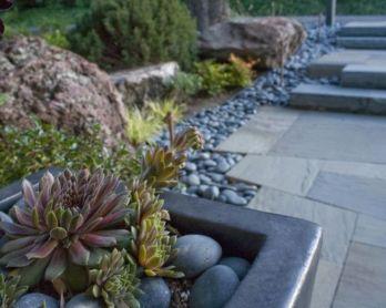 Great front yard rock garden ideas 45