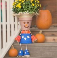 Pretty fall planters for easy outdoor fall decorations 09