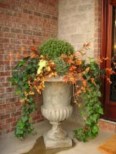 Pretty fall planters for easy outdoor fall decorations 13