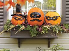 Pretty fall planters for easy outdoor fall decorations 35