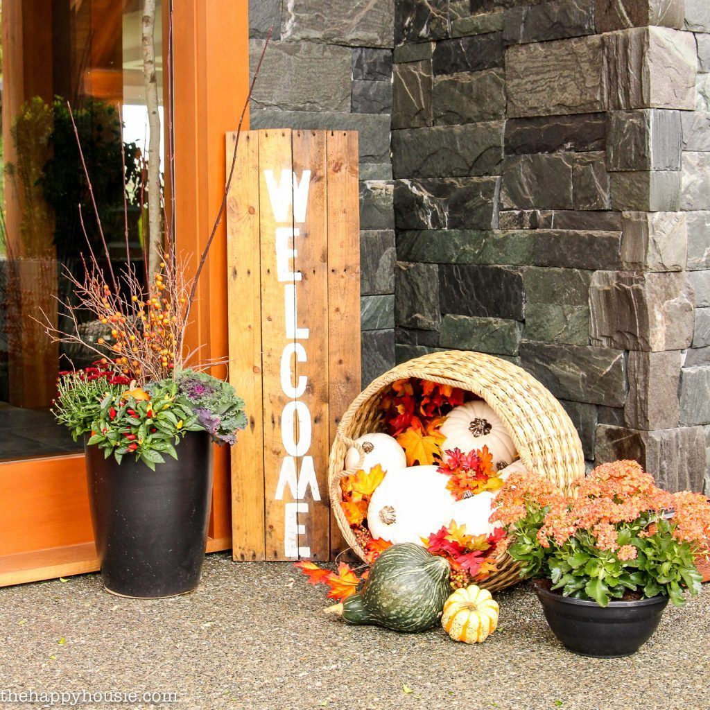 50 Pretty Fall Planters For Easy Outdoor Fall Decorations