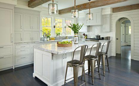 Stunning farmhouse kitchen cabinet ideas 17