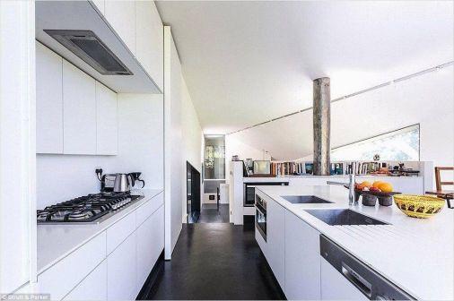 Stunning farmhouse kitchen cabinet ideas 21