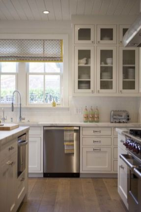 Stunning farmhouse kitchen cabinet ideas 30