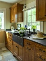 Stunning farmhouse kitchen cabinet ideas 37