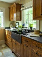 Stunning farmhouse kitchen cabinet ideas 37
