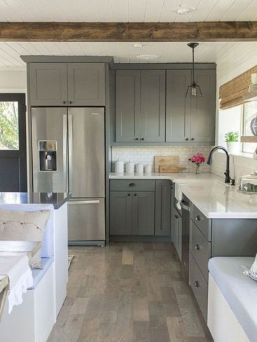 Stylish modern farmhouse kitchen makeover decor ideas 36