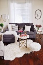 Adorable apartment living room decorating ideas 19