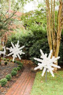 Awesome winter yard decoration ideas 30