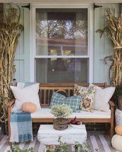 Fancy farmhouse fall porch decor and design ideas 15
