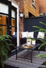 Fancy farmhouse fall porch decor and design ideas 22