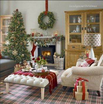 Fascinating christmas tree ideas for living room 24