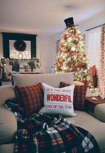 Fascinating christmas tree ideas for living room 44
