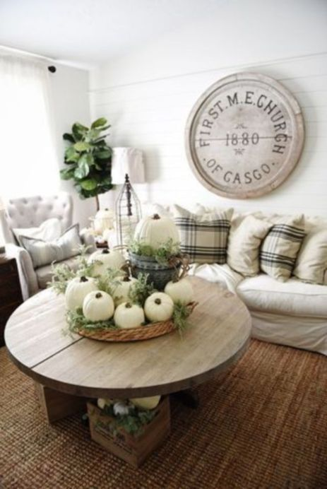 Magnificient farmhouse fall decor ideas on a budget 39