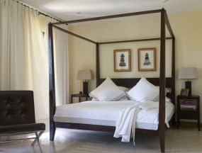 Minimalist master bedrooms decor ideas 26