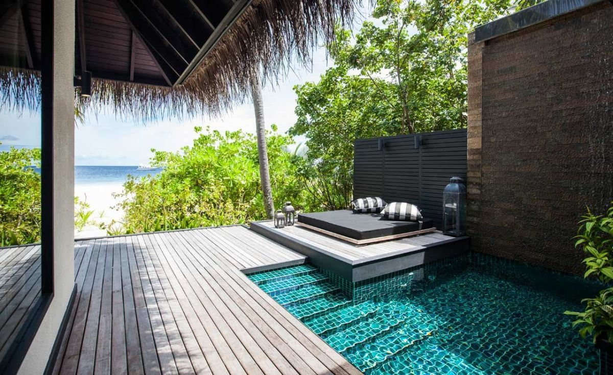 Minimalist small pool design with beautiful garden inside 09