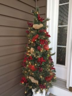 Perfect diy front porch christmas tree ideas on a budget 30