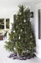 Perfect diy front porch christmas tree ideas on a budget 40