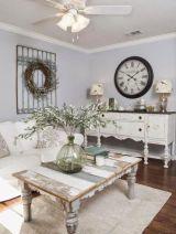 Romantic rustic farmhouse living room decor ideas 11