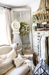 Romantic rustic farmhouse living room decor ideas 13
