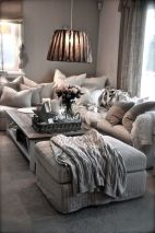 Romantic rustic farmhouse living room decor ideas 14
