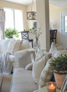 Romantic rustic farmhouse living room decor ideas 22