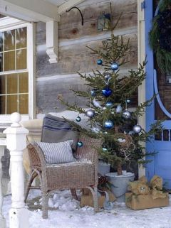 Stunning diy front porch christmas tree ideas on a budget 06