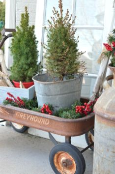 Stunning diy front porch christmas tree ideas on a budget 13