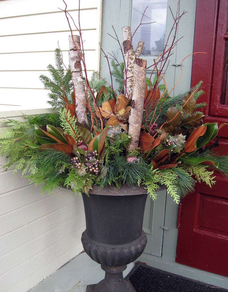 Stunning diy front porch christmas tree ideas on a budget 17
